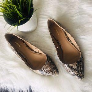 EXPRESS Snakeskin Flats Slip-on Shoes 9 EUC
